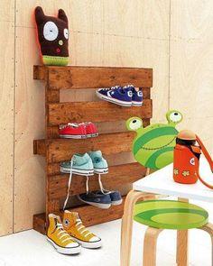 Pallet para organização dos sapatos das crianças!