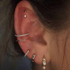 Pretty Ear Piercings, Ear Peircings, Types Of Ear Piercings, Different Ear Piercings, Ear Jewelry, Cute Jewelry, Body Jewelry, Jewelry Ideas, Jewelry Tattoo