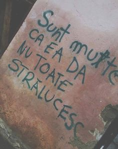 Sunt multe ca ea, dar nu toate stralucesc. Strong Women, Tattoo Quotes, Graffiti, Facts, Thoughts, Feelings, Sayings, Words, Happiness
