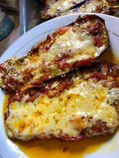 Μελιτζάνες φούρνου και ψωμάκι σπιτικό !!! ~ ΜΑΓΕΙΡΙΚΗ ΚΑΙ ΣΥΝΤΑΓΕΣ 2 Greek Cooking, Greek Recipes, Lasagna, Feta, Food To Make, Spinach, Stuffed Mushrooms, Food And Drink, Vegetarian