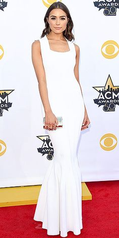 Love a clean look always. It's automatically timeless!  The Biggest, Best and Boldest Gowns of the Night | OLIVIA CULPO   | Nick Jonas's love continues her reign as music's best-dressed plus one in a slinky white gown with a flared hem, plus a high-shine silver clutch.