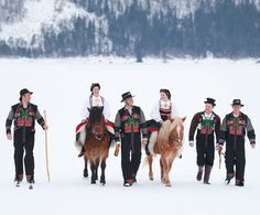 Bunad from Setesdal, Norway. Love the fjord horses too. Norwegian Clothing, Norwegian Fashion, Folk Costume, Costumes, Fjord Horse, Beautiful Norway, Scandinavian Countries, Going Out Of Business, Folk Fashion