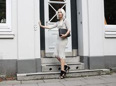 Isabel Marant, clean, schick, Kleid, Heels, LOVE Moschino, minimal, Black, white, ootd, lotd, Look, Style, Fashion, Blog, stryleTZ