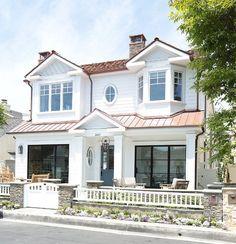 California Beach House with Coastal Interiors | Home Bunch - An Interior Design & Luxury Homes Blog | Bloglovin'
