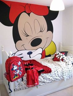 Girls Room Wall Murals Minnie Mouse Design Ideas- I soooo wanna do this for my boo! Not that big tho. Mickey Mouse Bedroom, Minnie Y Mickey Mouse, Kids Room Bed, Kids Room Paint, Kids Wall Murals, Murals For Kids, Disney Wall Murals, Girls Room Design, Disney Bedrooms