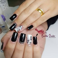 Pretty in black nail art Gel Nail Art, Nail Art Diy, Acrylic Nails, Gorgeous Nails, Pretty Nails, Fabulous Nails, Square Nail Designs, Nail Art Designs, Cute Spring Nails