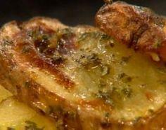 Arrollado de pollo con papas a la provenzal