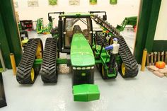 Viewing a thread - The rumor of a four track Deere are true.