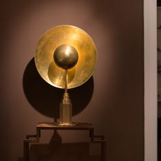 Introducing on ZWEI, the Metropolis lamp by Jan Garncarek. A hand crafted brass lamp whos design combines meticulous quality and minimalistic aesthetic. Brass Lamp, Solid Brass, Table Lamps, Lighting, Interior, London, Design, Home Decor, Homemade Home Decor
