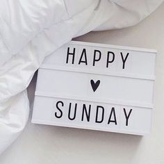 Blessed Sunday Quotes, Sunday Morning Quotes, Sunday Wishes, Sunday Quotes Funny, Easy Like Sunday Morning, Good Morning Images, Happy Quotes, Rainy Sunday, Weekend Quotes