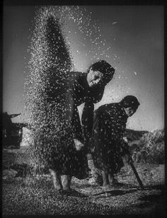 Eugene Smith, Deleitosa, Spain, From his photo essay «Spanish Village History Of Photography, Documentary Photography, Street Photography, Urban Photography, People Photography, Color Photography, Old Photos, Vintage Photos, Kansas