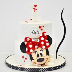 1st Birthday Cake For Girls, Minnie Mouse Birthday Cakes, Mickey Mouse Cupcakes, Mickey Cakes, Minnie Mouse Cake, Mickey Birthday, Bolo Mickey, Baby Girl Cakes, Character Cakes