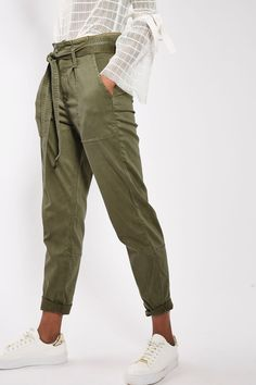 Paperbag Utility Trousers  52,00 €