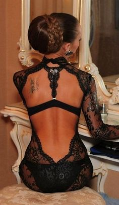sexy, gorgeous, black lace. simply breathtaking!