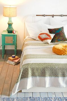 Cozy Blankets - Cute, Warm Throws For Home