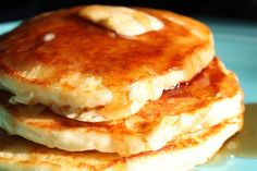 Maple Leaves & Sycamore Trees: Light 'n Fluffy Pancakes