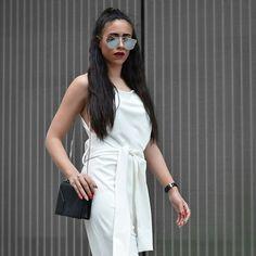 Clean slate @evelina_fra #streetstyle #fashionblogger #clutch #bag #janisleenewyork #madeinnyc #minimal #modern #design #designer #handbag #handmade #fashion #style #blogger