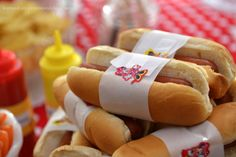 Minnie Mouse Food Ideas | Minnie Mouse Birthday Party Food Display: