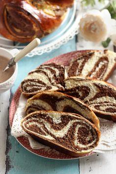 Juditka konyhája: ~ JOGHURTOS CIFRA KALÁCS ~ Breakfast Recipes, Sweets, Bread, Foods, Yogurt, Food Food, Food Items, Gummi Candy, Candy
