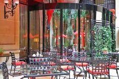 Plaza athenee lobby photo de hotel plaza athenee paris for Recherche hotel paris
