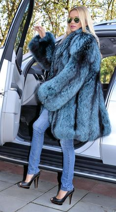 Ocean Blue Royal Saga Silver Fox Fur Coat | eBay