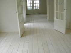 This would be crazy in kitchen, right? Lol White lime wash on old Baltic pine floor Farmhouse Flooring, Timber Flooring, Hardwood Floors, Flooring Ideas, White Washed Pine, White Washed Floors, Parquetry Floor, Architecture Design, Painted Wood Floors