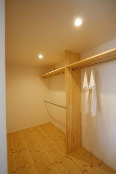 _MG_2866 Bedroom Window Design, Attic Bedroom Designs, Bedroom Closet Design, Master Bedroom Closet, Master Bedroom Design, Dressing Room Closet, Dressing Room Design, Boutique Interior, Wardrobe Room