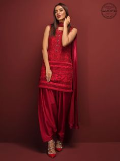 Pakistani Dresses in USA – Page 3 – Online Shopping in Pakistan Pakistani Fashion Casual, Pakistani Dress Design, Pakistani Outfits, Indian Outfits, Indian Fashion, Indian Attire, Indian Wear, Indian Style, Stylish Dresses
