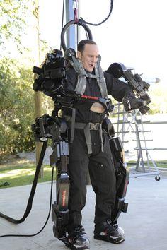 To mark the 2010 DVD release of Marvel's Iron Man 2, Clark Gregg visits Raytheon & tries on their XO3 2 Exoskeleton.