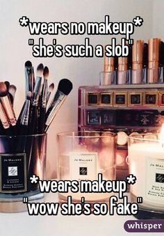 5dfecb40a37a94  wears no makeup