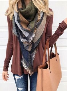 winter outfits casual winter fashion 2017 winter fashion outfits winter fashion cold winter fashion 2017 street style winter style winter sweaters winter clothes winter looks winter layering outfits Fall Winter Outfits, Autumn Winter Fashion, Spring Outfits, Winter Style, Winter Scarf Outfit, Casual Winter, Blanket Scarf Outfit, Winter Wear, Women Fall Outfits