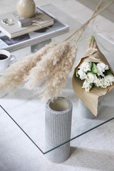 Diy interior, home interior design, diy coffee table, diy table Diy Coffee Table, Diy Table, Diy Interior, Home Interior Design, Home Crafts, Diy Home Decor, Ikea, Flowers Today, Transitional Decor