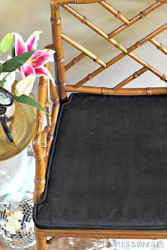 I keep reading about this process and I have just the cushions to try it on! Chippendale Chairs, Chinoiserie Chic, Faux Bamboo, Rattan Furniture, Diy Chair, Dimples, Diy Painting, Living Room Decor, Dining Room