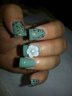 Hoss intropia inspired nails