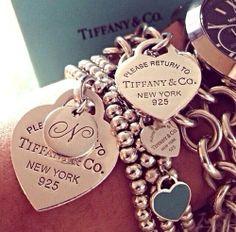 Tiffany's Arm Candy 🔥😍 Tiffany And Co Jewelry, Tiffany And Co Bracelet, Tiffany Rings, Tiffany Necklace, Azul Tiffany, Tiffany Blue, Pandora Bracelets, Pandora Jewelry, Bracelet Charms