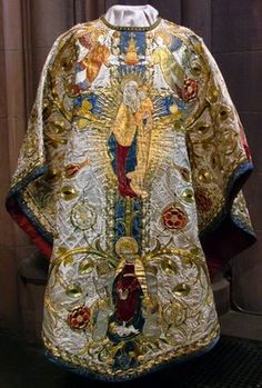 Cardinal Vestments | and the cardinal has pictures of some amazing 20th century vestments ...