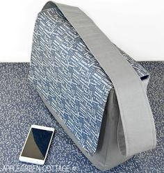 6738376816a Messenger bag pattern - a free sewing pattern plus tutorial to make a large  messenger bag