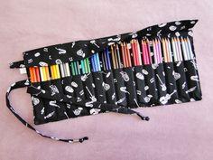 Estojo de rolo para 48 lápis de cor *