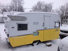 Shasta Trailer, Shasta Camper, Little Campers, Vintage Travel Trailers, Go Camping, Airstream, Recreational Vehicles, Tent, Life