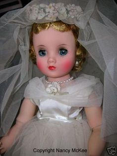 Vintage Elise bride doll by Madame Alexander. Old Dolls, Antique Dolls, Vintage Dolls, Beautiful Dolls, Beautiful Bride, Doll Toys, Baby Dolls, Best Baby Doll, Vintage Madame Alexander Dolls