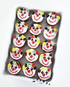 Cirkus fødselsdag - min mindste lille nevø blev 1 år I torsdags og det fejrede vi i går med massere af hygge 💙 Jeg fik lov til at stå for… Happy Birthday Dog, Girl Birthday Cards, Birthday Gifts For Girlfriend, Mom Birthday Gift, Birthday Celebration, Cake Birthday, Beautiful Birthday Cards, Mom Cake, Homemade Cakes