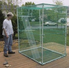 PVC Pet Cage - Build a cage for exotic pets out of PVC, which can be used indoors or out. Bearded Dragon Cage, Bearded Dragon Habitat, Cat Enclosure, Reptile Enclosure, Sugar Glider Pet, Sugar Gliders, Iguana Cage, Baby Tortoise, Tortoise Cage