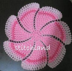StitchLand: Cuma'nın / Project of – Knitting patterns, knitting designs, knitting for beginners. Crochet Potholders, Crochet Motifs, Crochet Chart, Crochet Doilies, Crochet Flowers, Crochet Stitches, Knitting Designs, Crochet Designs, Knitting Patterns