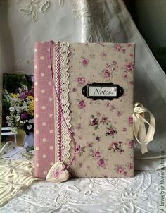 23 Tremendous DIY Book binding Handcover: Keep Your Book Safe And Attractive Handmade Notebook, Handmade Books, Notebook Covers, Journal Covers, Altered Composition Books, Craft Projects, Sewing Projects, Fabric Book Covers, Bible Covers