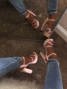 Shoes 747245763154817541 - Shop Official Bee: The Latest Shoe Trends – shopofficialbee Source by Buy Shoes, Me Too Shoes, Women's Shoes, Shoes Style, Platform Shoes Heels, Wide Shoes, Flat Shoes, Wedge Heels, High Heels