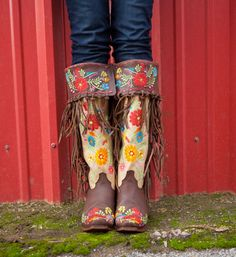 "Rodeo Quincy "" Gloria "" Embroidered Fringe Boots Want want want! Cowgirl Chic, Western Chic, Cowgirl Style, Cowgirl Boots, Western Wear, Western Boots, Riding Boots, Fashion Casual, I Love Fashion"