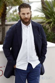 Tom Hardy...that beard <3