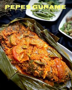 Pepes Gurame Bikin makan jadi lebih lezat Snack Recipes, Cooking Recipes, Snacks, Yummy Recipes, Indonesian Food, Dessert Drinks, Fish And Seafood, Diy Food, Tandoori Chicken