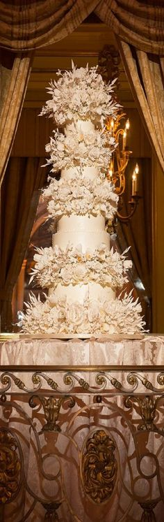 Wedding cakes play a significant part in the wedding party. A wedding cake may be a significant part your big day. The traditional wedding cake is definitely round, but the simple truth is there ar… Huge Wedding Cakes, Luxury Wedding Cake, Amazing Wedding Cakes, Wedding Cakes With Cupcakes, Elegant Wedding Cakes, Wedding Cake Designs, Trendy Wedding, Amazing Cakes, Cupcake Cakes