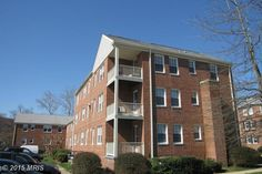 6716 WAKEFIELD DRIVE C1, ALEXANDRIA, VA 22307 - Beautiful top floor 2 BR, 1 BA unit with porch. Enjoy all the amenities Belle View offers. Unit is a few steps from the pool; shopping center across the street, Potomac River & bike/walking trails to DC & Mt. Vernon just a short walk away. Updated kitchen w/white cabinets & granite counters; wood parquet floors throughout; custom paint; updated bath.